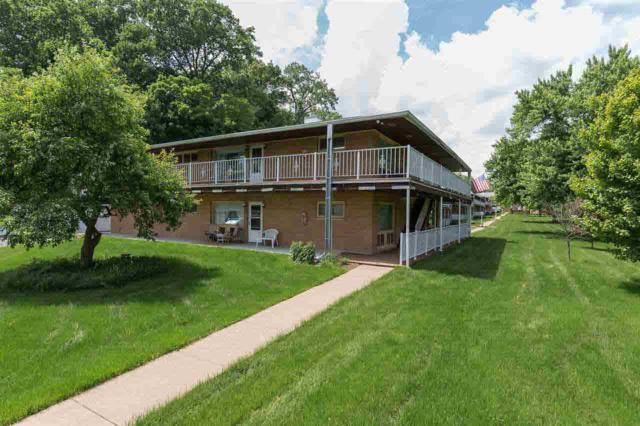 1104 Kimberly Road, Bettendorf, IA 52722 (#QC4203671) :: Adam Merrick Real Estate