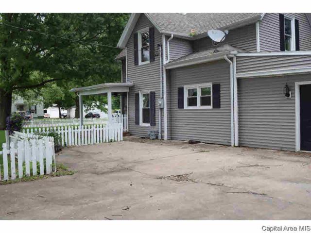 207 Michigan, Jacksonville, IL 62650 (#CA193710) :: Killebrew - Real Estate Group