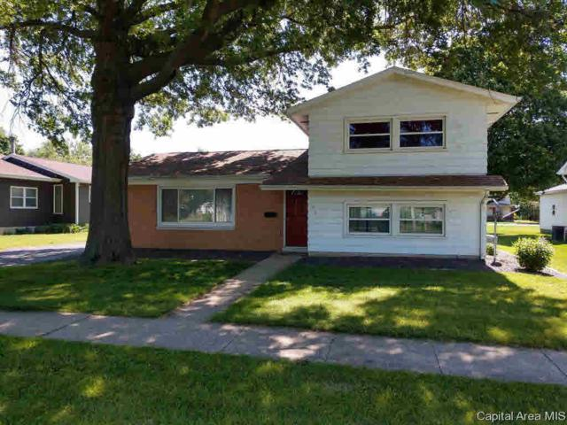 205 S Prairie St, Knoxville, IL 61448 (#CA193753) :: Killebrew - Real Estate Group
