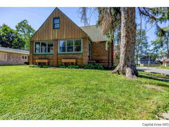 630 W Vine, Taylorville, IL 62568 (#CA193799) :: Adam Merrick Real Estate