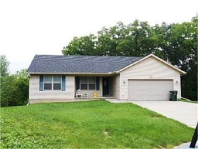 3806 W 15TH ST CT Court, Davenport, IA 52804 (#QC4203831) :: Killebrew - Real Estate Group
