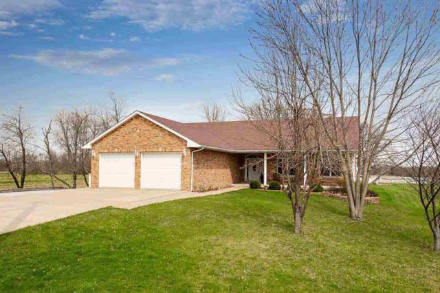 809 S Oak Lane, Blue Grass, IA 52726 (#QC4203933) :: Adam Merrick Real Estate