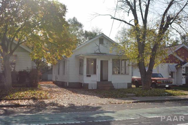 2402 W Howett Street, Peoria, IL 61605 (#1169095) :: Adam Merrick Real Estate