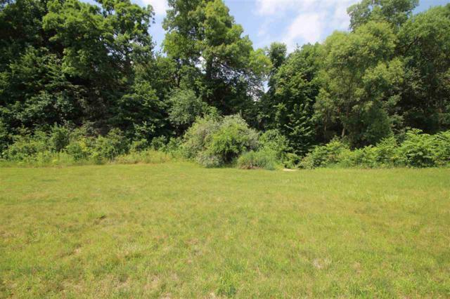 5723 W Woodbriar Lane, Peoria, IL 61615 (#1179144) :: Adam Merrick Real Estate
