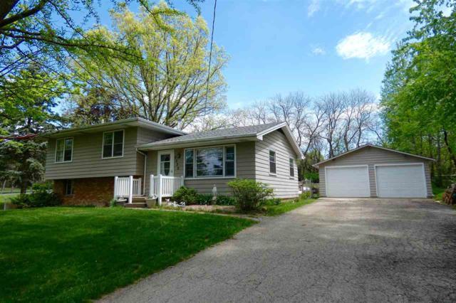 5330 N Isabell Avenue, Peoria, IL 61614 (#1192897) :: Adam Merrick Real Estate