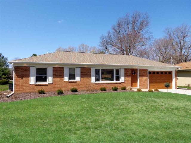 127 Jay Avenue, Morton, IL 61550 (#1193442) :: Adam Merrick Real Estate