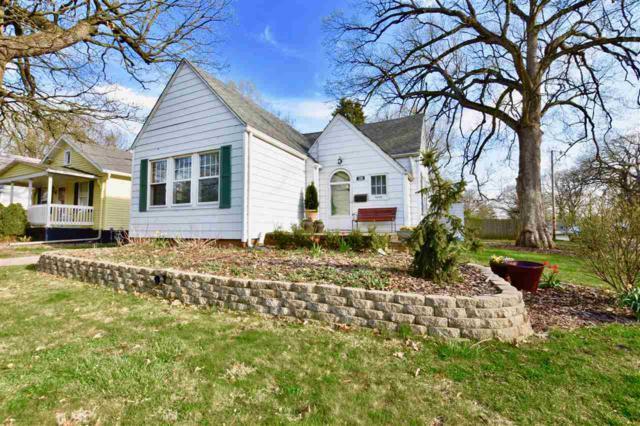 1200 E Forrest Hill Avenue, Peoria, IL 61603 (#1193657) :: Adam Merrick Real Estate