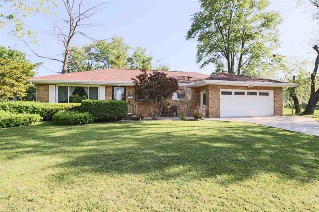 2007 W Westbrook Drive, Peoria, IL 61614 (#1193731) :: Adam Merrick Real Estate