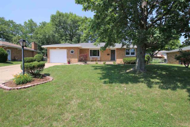 3229 W Chartwell Road, Peoria, IL 61614 (#1195477) :: Adam Merrick Real Estate