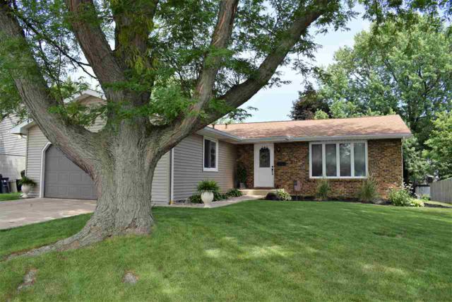 6820 N Rockvale Drive, Peoria, IL 61614 (#1195642) :: Adam Merrick Real Estate