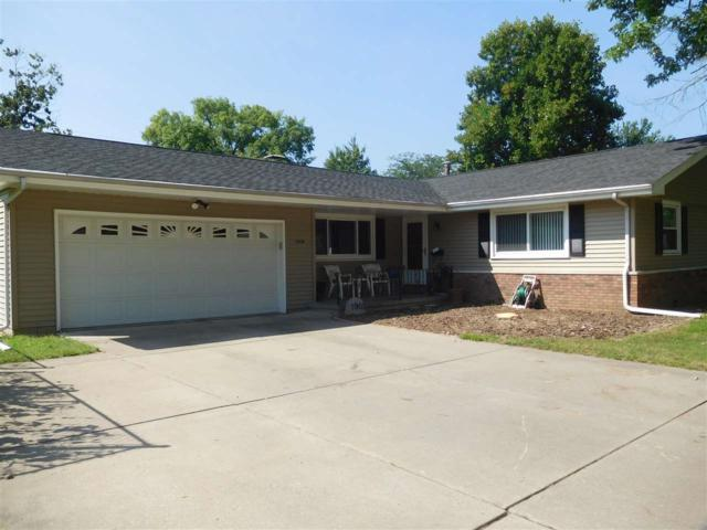 1908 W Virginia Avenue, Peoria, IL 61604 (#1196997) :: Adam Merrick Real Estate