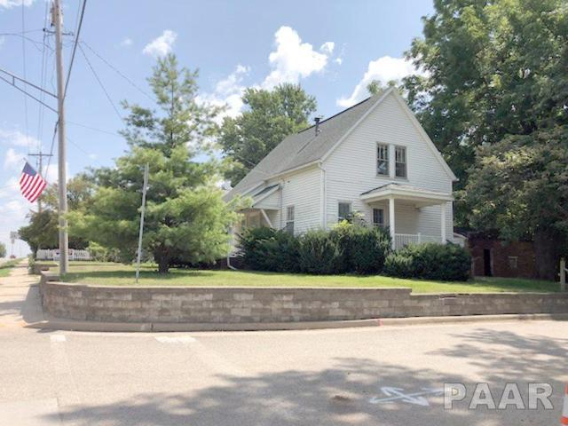 702 E Fort Street, Farmington, IL 61531 (#PA1197535) :: The Bryson Smith Team
