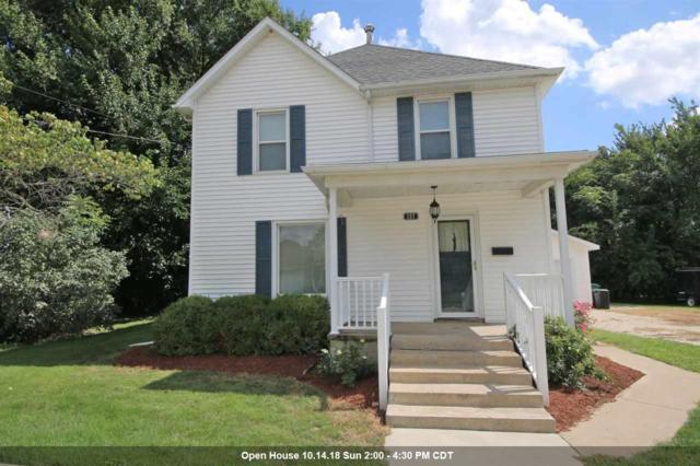 157 N Wall Street, Farmington, IL 61531 (#1197942) :: Adam Merrick Real Estate