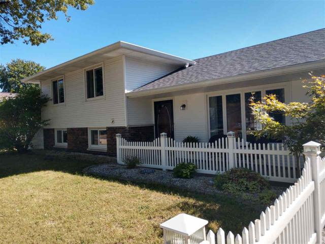 5912 W Overland Pass, Peoria, IL 61607 (#1198423) :: Adam Merrick Real Estate