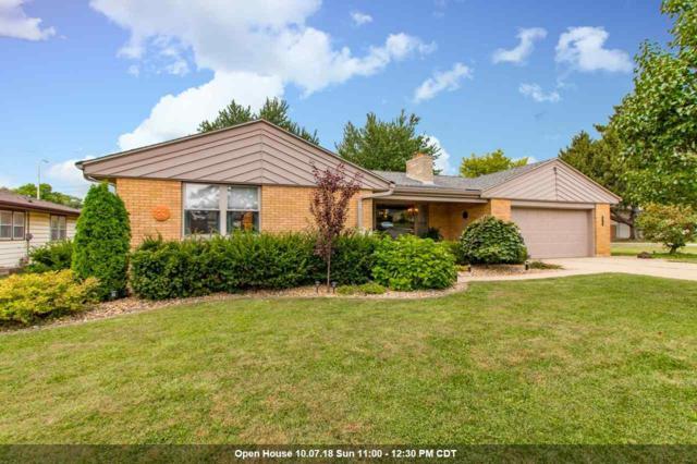 3915 N Lynnwood, Peoria, IL 61614 (#1198627) :: Adam Merrick Real Estate