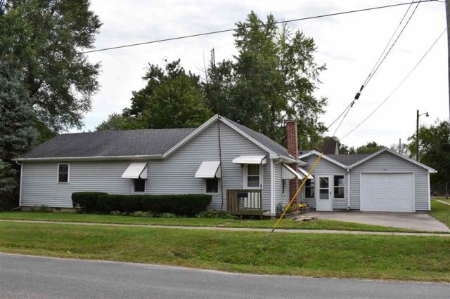 421 E Macarthur Avenue, Lewistown, IL 61542 (#1198726) :: Adam Merrick Real Estate