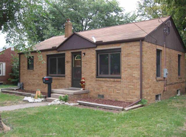 901 Sheridan, Pekin, IL 61554 (#1198749) :: Adam Merrick Real Estate
