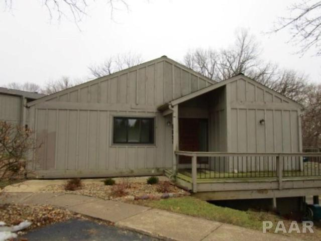 5821 N Old Hickory Lane, Peoria, IL 61615 (#PA1201308) :: The Bryson Smith Team