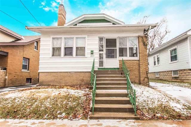2237 N Sheridan, Peoria, IL 61604 (#PA1201676) :: Adam Merrick Real Estate
