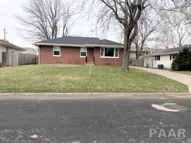 2713 W Westport Road, Peoria, IL 61615 (#PA1202989) :: The Bryson Smith Team