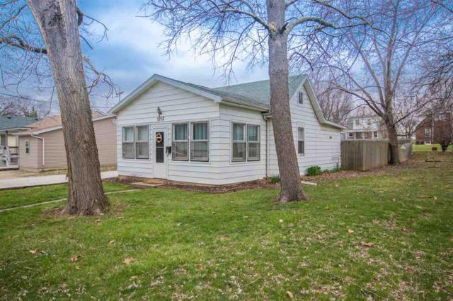 1213 E Cox Avenue, Peoria Heights, IL 61616 (#PA1203440) :: Adam Merrick Real Estate