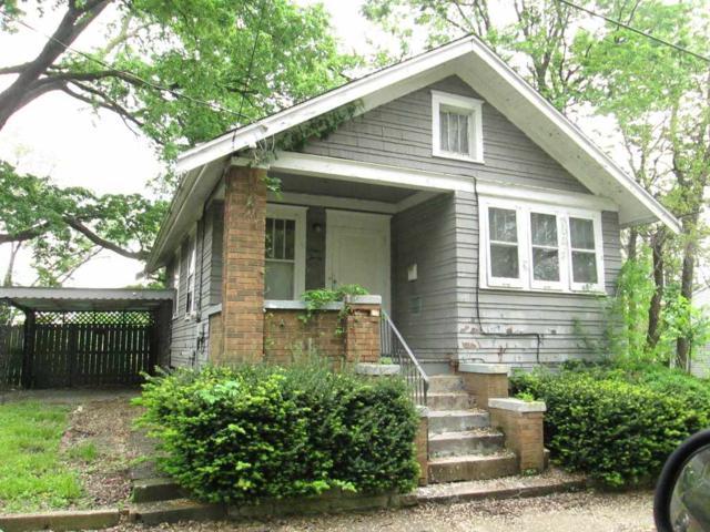 130 S Cleveland Avenue, Peoria, IL 61605 (#PA1204894) :: Adam Merrick Real Estate