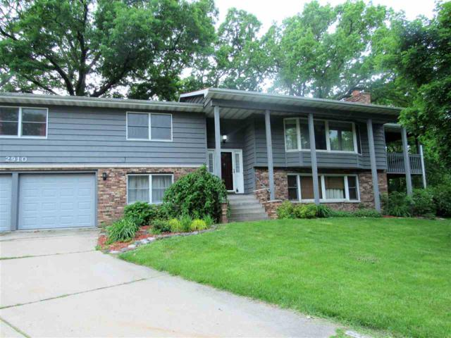 2910 W Richwoods Boulevard, Peoria, IL 61604 (#PA1204970) :: Adam Merrick Real Estate
