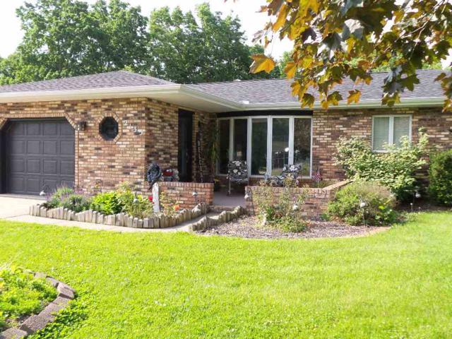 2135 Fondulac Drive, East Peoria, IL 61611 (#PA1205429) :: Adam Merrick Real Estate