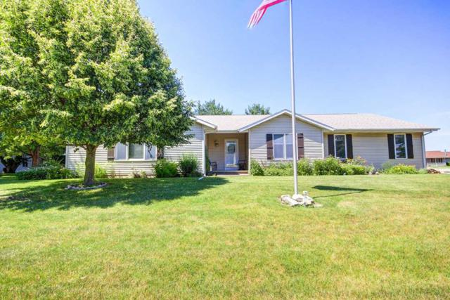 707 N Clover, Athens, IL 62613 (#CA190) :: Killebrew - Real Estate Group