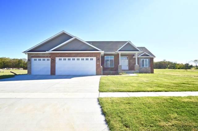 1820 Spartan Dr Street, Chatham, IL 62629 (#CA619) :: Adam Merrick Real Estate