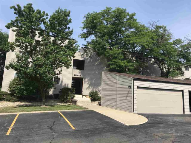 7235 N Lakeside Court, Peoria, IL 61614 (#PA1206565) :: Paramount Homes QC