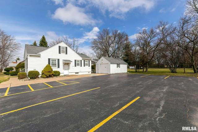 2412 41ST Street, Moline, IL 61265 (#QC4211364) :: Nikki Sailor | RE/MAX River Cities