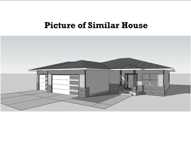 2740 W 38TH, Davenport, IA 52806 (MLS #QC4221827) :: BN Homes Group