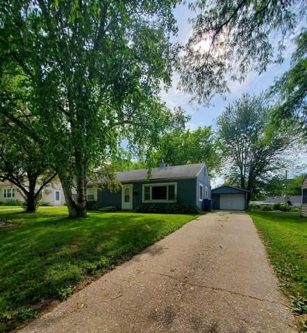 1240 17TH Street, Bettendorf, IA 52722 (MLS #QC4221952) :: BN Homes Group