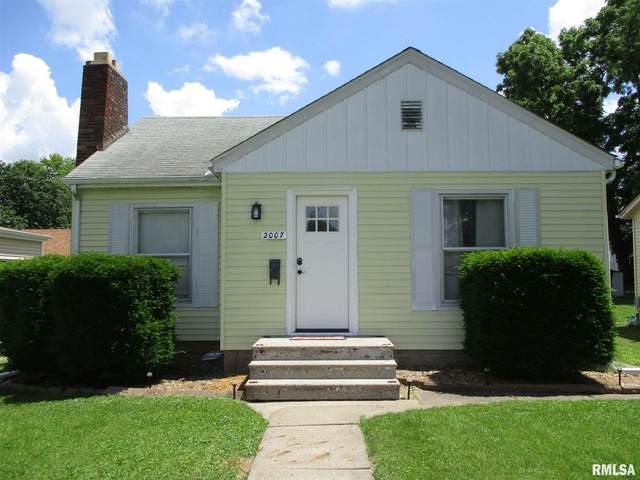 2007 Warren Street, Davenport, IA 52804 (#QC4222577) :: Nikki Sailor | RE/MAX River Cities