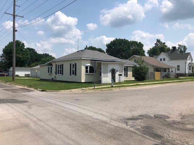 925 W Adams Street, Taylorville, IL 62568 (#CA1008286) :: Kathy Garst Sales Team