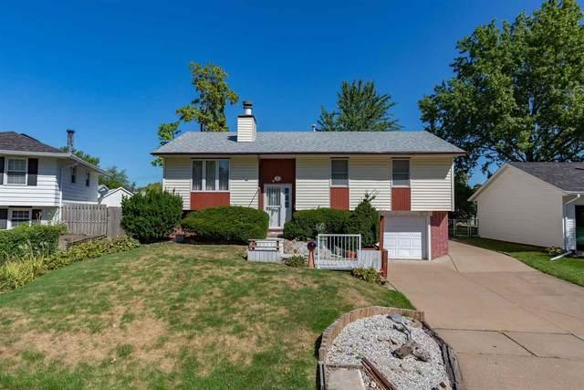 2327 Pinehurst Street, Bettendorf, IA 52722 (#QC4226188) :: Paramount Homes QC