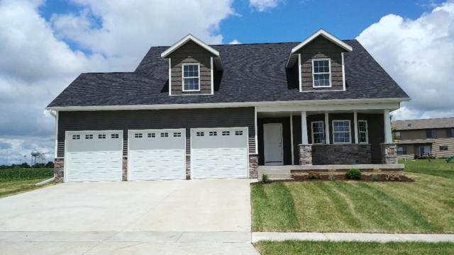 700 E Pinehurst Drive, Eldridge, IA 52753 (#QC4198882) :: Adam Merrick Real Estate