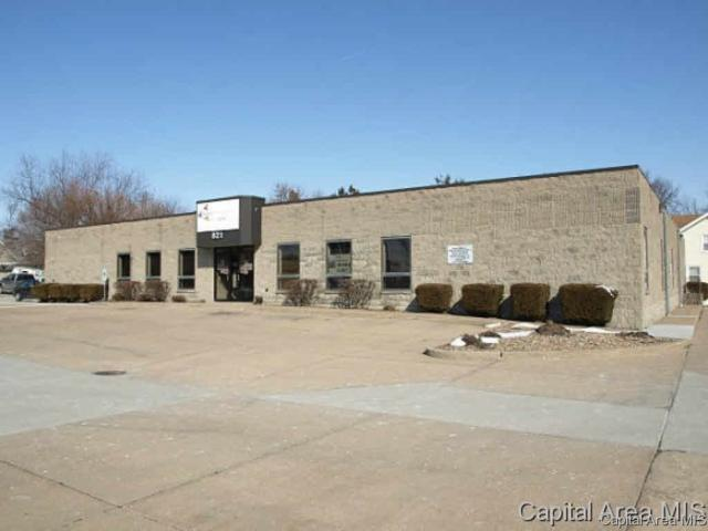 821 W Main St., Galesburg, IL 61401 (#CA157502) :: Adam Merrick Real Estate