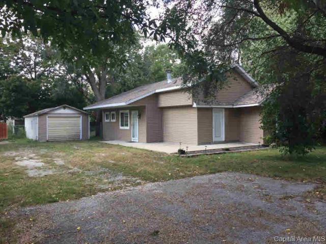 513 N Ridge, Taylorville, IL 62568 (#CA186681) :: Killebrew - Real Estate Group