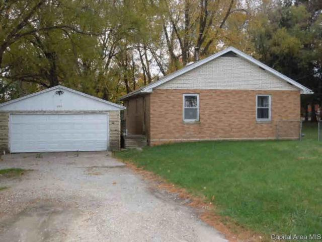 1004 E North St, Knoxville, IL 61448 (#CA187101) :: Killebrew - Real Estate Group