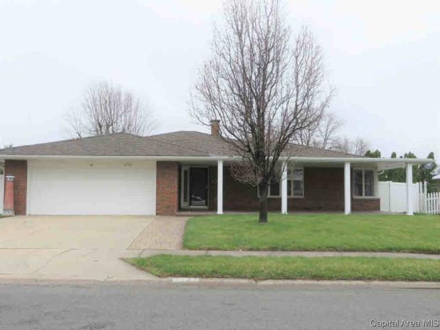 32 Westfair, Jacksonville, IL 62650 (#CA187419) :: Adam Merrick Real Estate