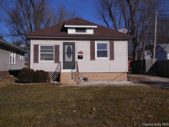 912 E College, Jacksonville, IL 62650 (#CA190134) :: Adam Merrick Real Estate