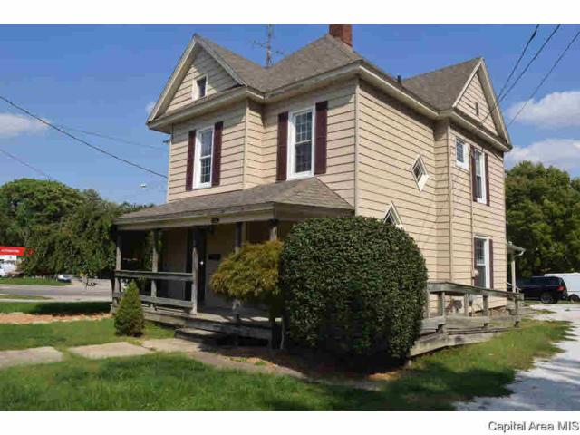 812 Hardin Ave, Jacksonville, IL 62650 (#CA191237) :: Adam Merrick Real Estate