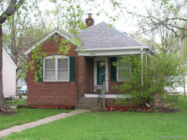 322 E Superior Ave, Jacksonville, IL 62650 (#CA192416) :: Killebrew - Real Estate Group