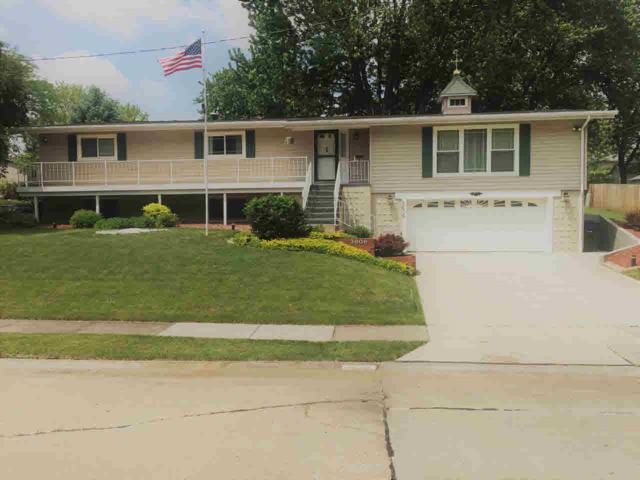 3606 N Elmwood Avenue, Davenport, IA 52806 (#QC4202583) :: Killebrew - Real Estate Group