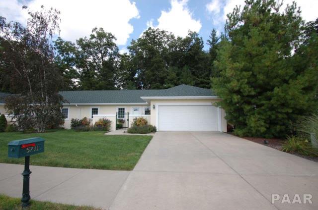5711 W Woodbriar Lane, Peoria, IL 61615 (#1187319) :: Adam Merrick Real Estate