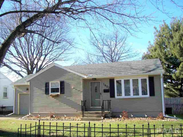 1807 N 11TH, Pekin, IL 61554 (#1187985) :: Adam Merrick Real Estate
