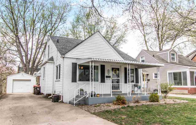 921 E Richwoods Boulevard, Peoria, IL 61603 (#1193910) :: Adam Merrick Real Estate