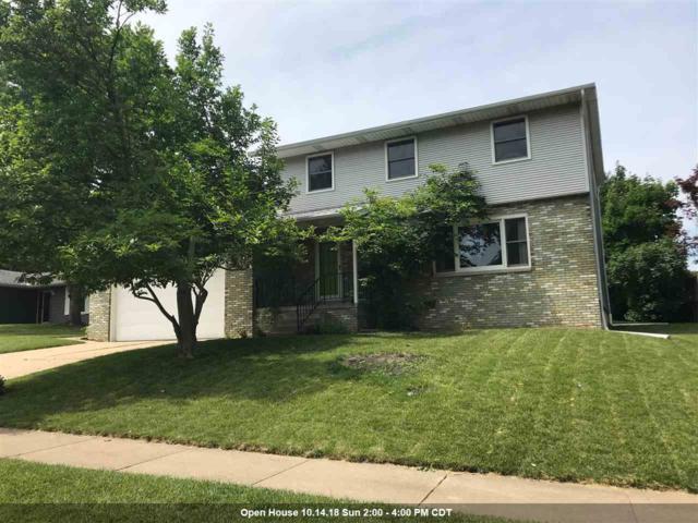 1403 W Queens Court Road, Peoria, IL 61614 (#1195619) :: Adam Merrick Real Estate
